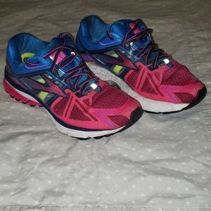 Brooks Ravenna sneakers